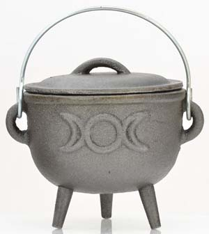 Triple Moon cast iron cauldron 4""